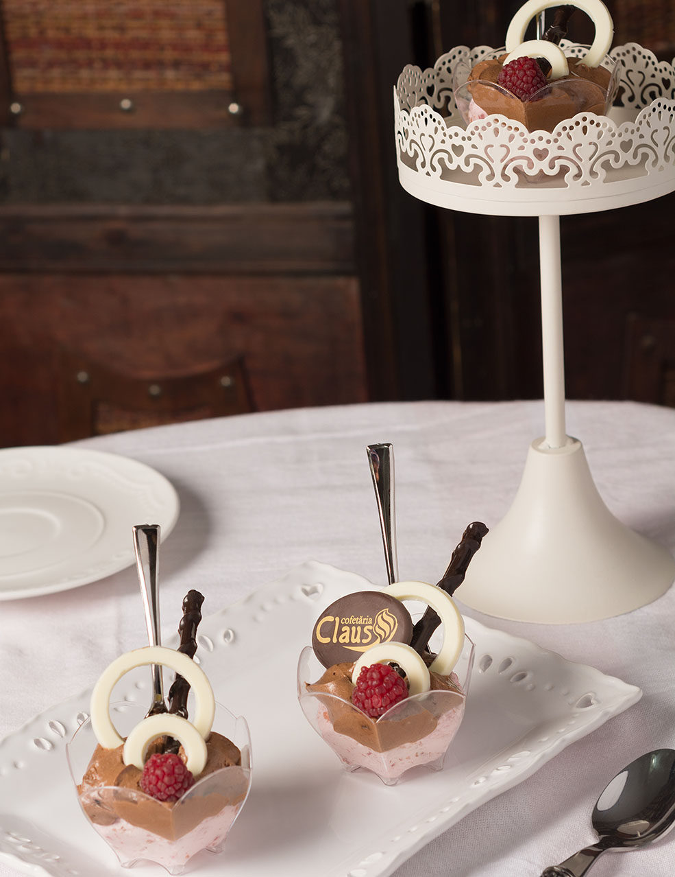 mousse-sarlota-ciocolata-si-capsuni-2